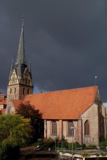 St Nikolai Kirche unter dem Sturmtief