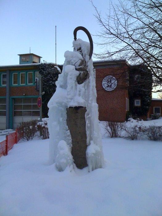 Eisskulptur an der Hauptfeuerwache