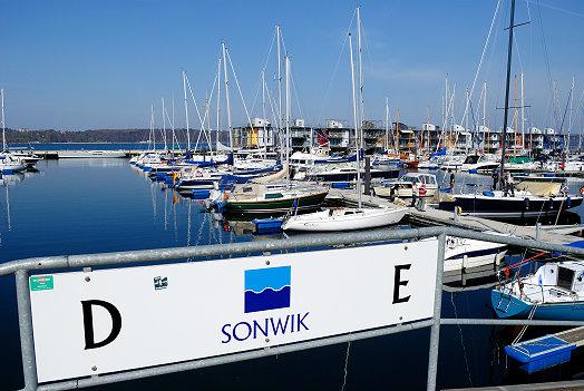 Blick auf den Jachthafen Sonwik